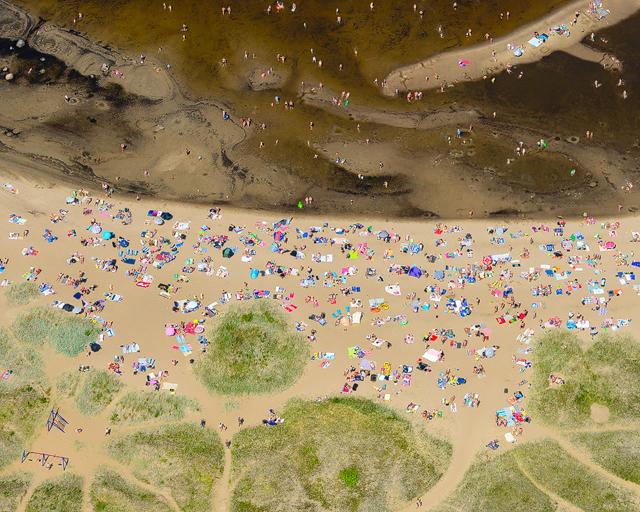 Trängsel på Rullsand, mellansveriges största havsbad