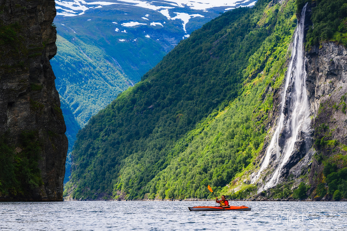 Advanced Elements kayak, Geirangerfjorden, Norway. Foto: Mikael Svensson, www.mikaelsvensson.com