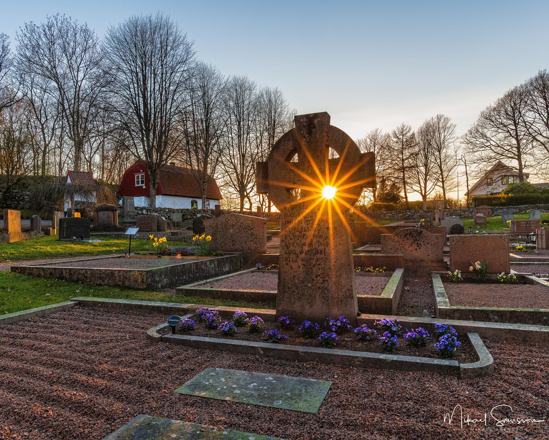 Solnedgång vid Kållered kyrka, Mölndal.