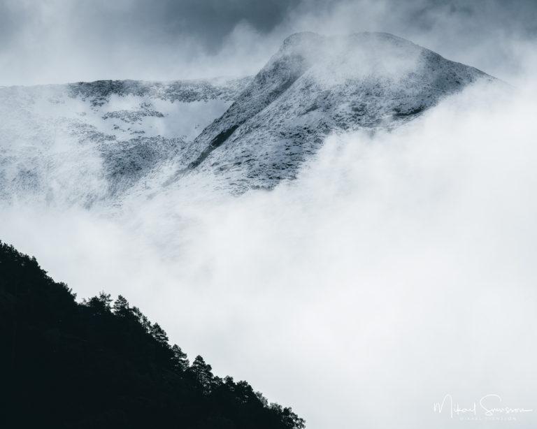 Berg vid Hjelledalen. Foto: Mikael Svensson