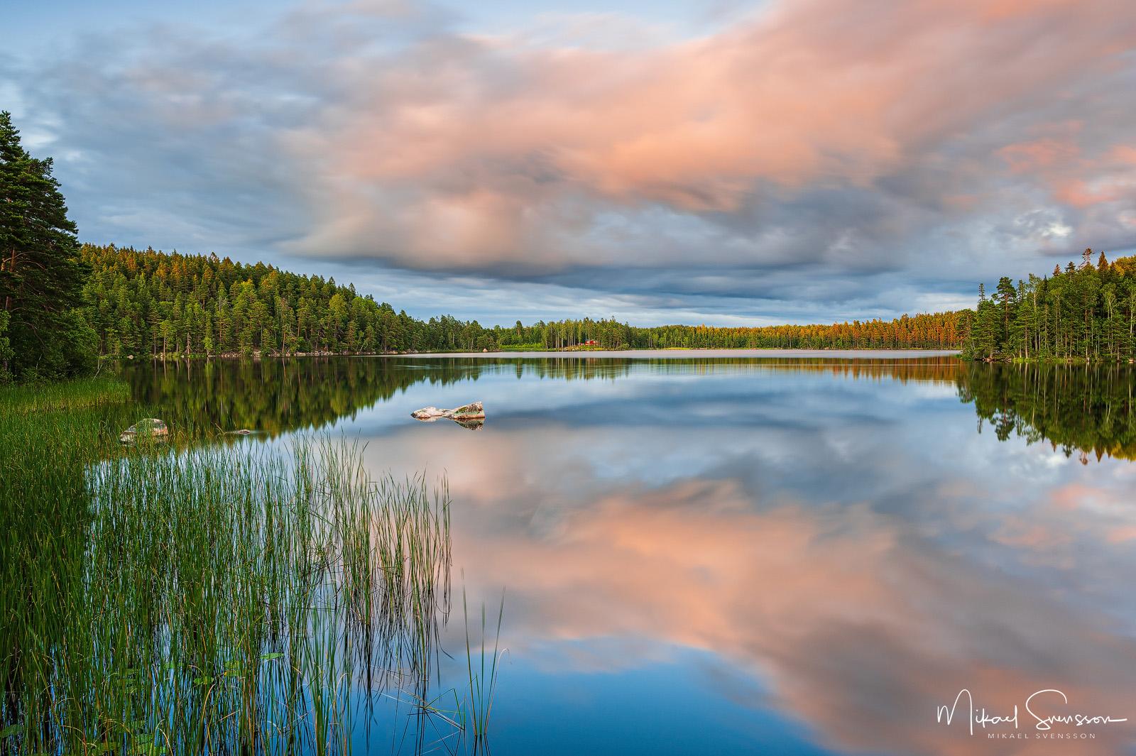 Kvällsljus vid sjön Nedre Virken, Åtvidaberg, Sweden. Foto: Mikael Svensson, www.mikaelsvensson.com
