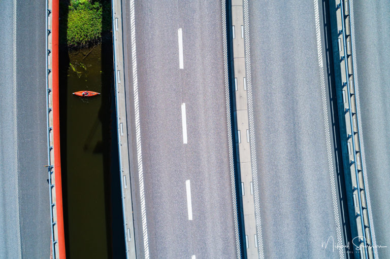 Paddling i Säveån, Göteborg. Foto: Mikael Svensson, www.mikaelsvensson.com