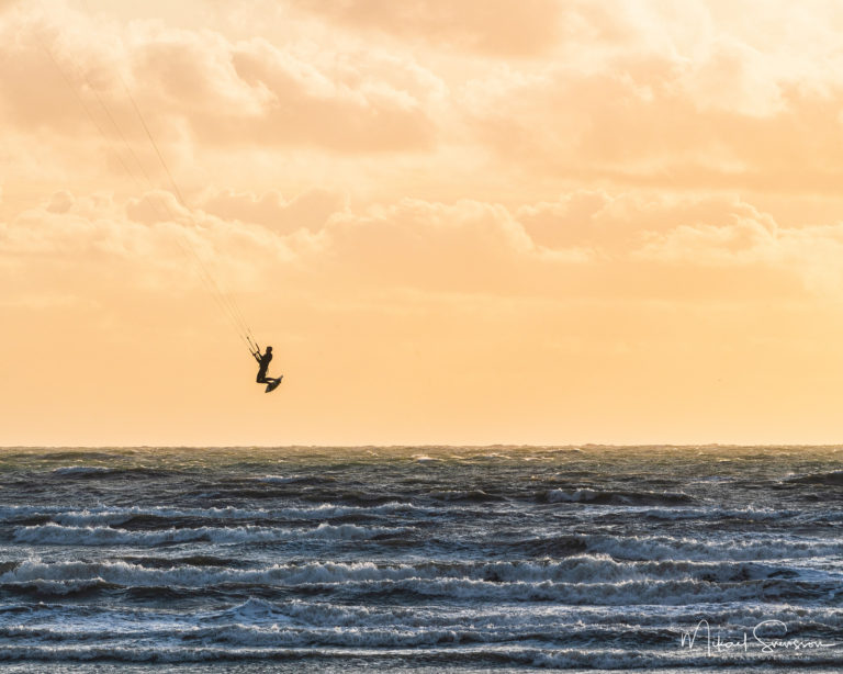 Kitesurfning i Apelviken, Varberg.